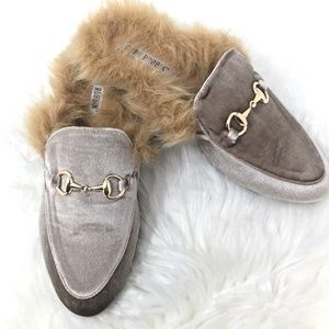 Cape Robbin YOUR MAJESTY Faux Fur Velvet Slides